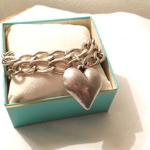 Jewelry - Chunky chain matte silver heart charm bracelet